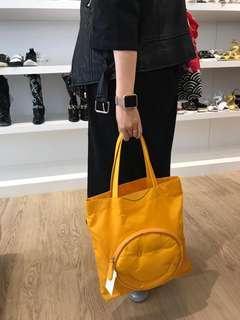🚚 Anya Hindmarch tote bag
