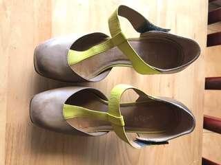 Sportsgirl leather heels