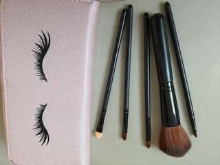 Make Up Brush Set with Purse