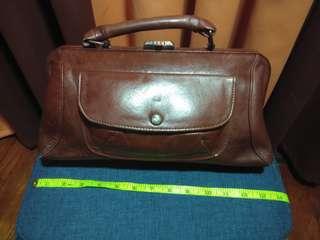 6e97867c5a6169 VINTAGE 100% Genuine leather medical bag/Doctor's bag
