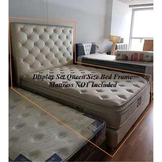 🚚 DISPLAY SET Queen Size Bed Frame