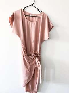 Summer dress, tie waist, peach 🍑