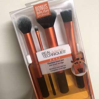 Brand New Real Technqiues Base Set Brushes
