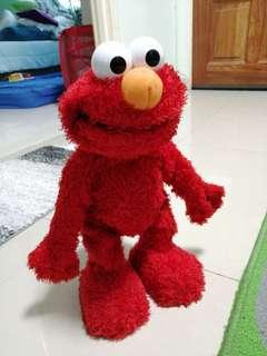 Clearance! Movable and talking ELMO