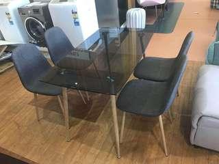 Affordable cheap priced modern black or clear glass tables
