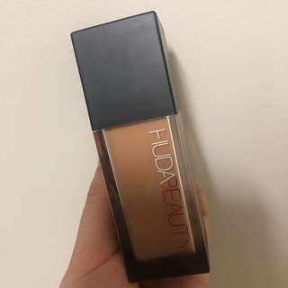 Huda Beauty Faux Filter Foundation- LATTE 300N