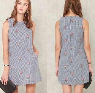 🚚 Anticlockwise floral gingham embroidery trapeze dress