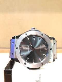 Brand New Hublot Classic Fusion 511.NX.7071.LR Racing Grey Dial Automatic Titanium Casing Leather