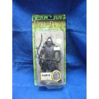 TOY BIZ 魔戒 魔戒現身 LORD OF THE RINGS LURTZ WITH ARROW LAUNCHING ACTION (LOTR-81440)