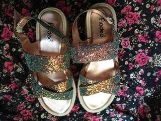 Sepatu Fladeo Wedges