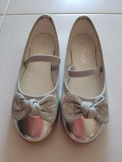 🚚 Girl's Shoes