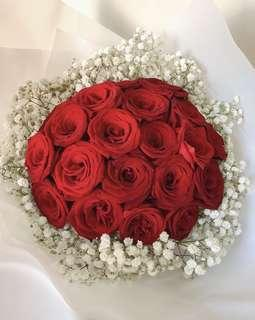 🚚 Proposal bouquet (21 red roses with baby breath)