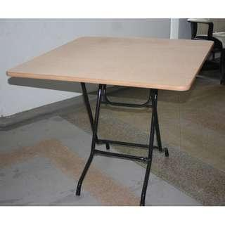 Foldable dinner/mahjong table abt 80cm by 80cm, height abt 70cm, heavy duty Seldom used Good conditions  FIXED PRICE NO NEGO