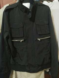 Jaket hitam basic