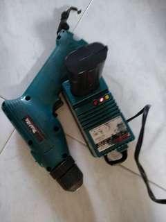 Makita battery drill charger