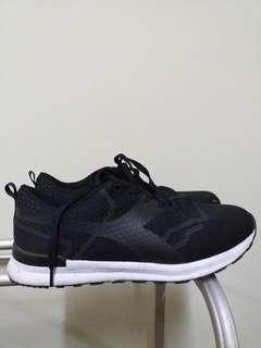 Sepatu diadora size 39 no box