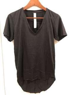 黑色色V領Tee shirt size 1