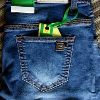 Celana Jeans ukuran 27 sd 34