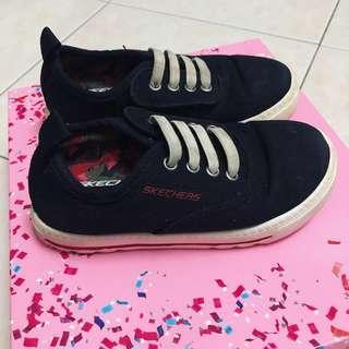 Skechers sneakers for boy (size: US9/UK8/EUR25.5)