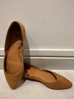 H&M Ladies Flats. Size 37.