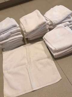 Square towels (35 pieces)