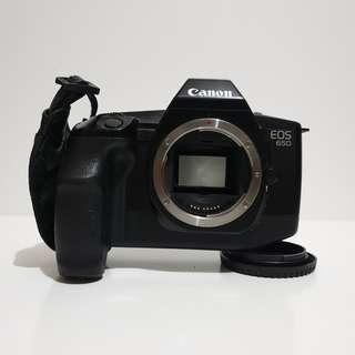 *MINT* Canon EOS 650 35mm film camera
