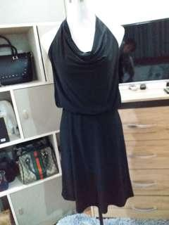 ukay2x backless black dress from thailand🇹🇭