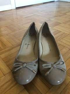 Isaac Mizrahi Flats with block heel