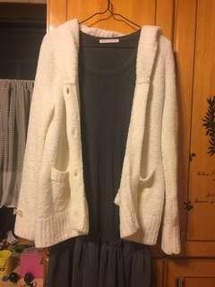 🚚 LIZ LISA白色毛衣外套