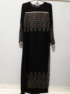 Black lace Jubah
