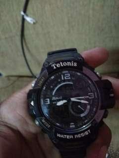 Jam tangan tetonis