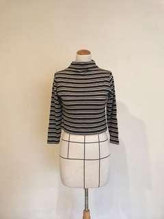 🚚 日本製純毛料短版微高領針織衫