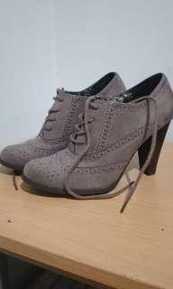 Payless Fioni Boots Heels Grey