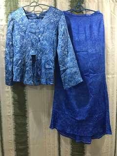 Baju Kebaya+Kain susun belakang