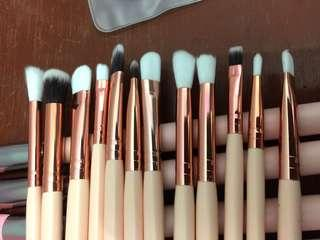 Eye Brush make up