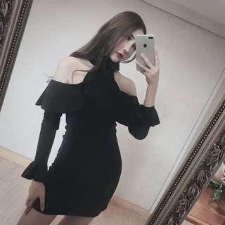 黑色露肩裙