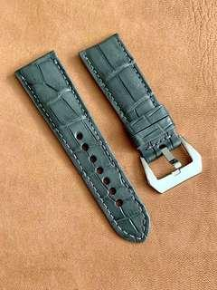 🚚 Grey Crocodile Alligator Watch Strap (Large Scale) 26mm@lug/22mm@buckle