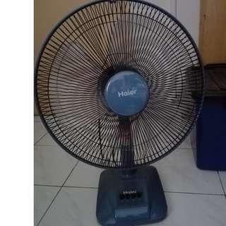Haier Desk Fan
