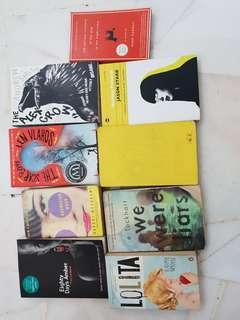 🚚 Assorted fiction books