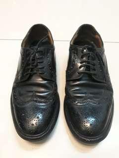 Formal & sneakers
