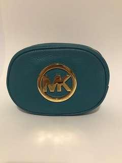 New! 🇺🇸Michael Kors Leather Cosmetic Bag  MK 化妝袋💄💋👩🏻‍🦱👱🏼‍♀️👩🏻🧒🏽