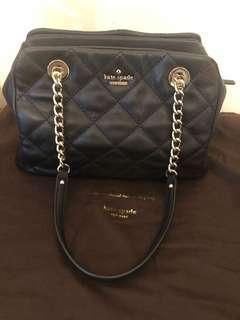 🚚 Kate Spade Shoulder Bag **black w gold chain**