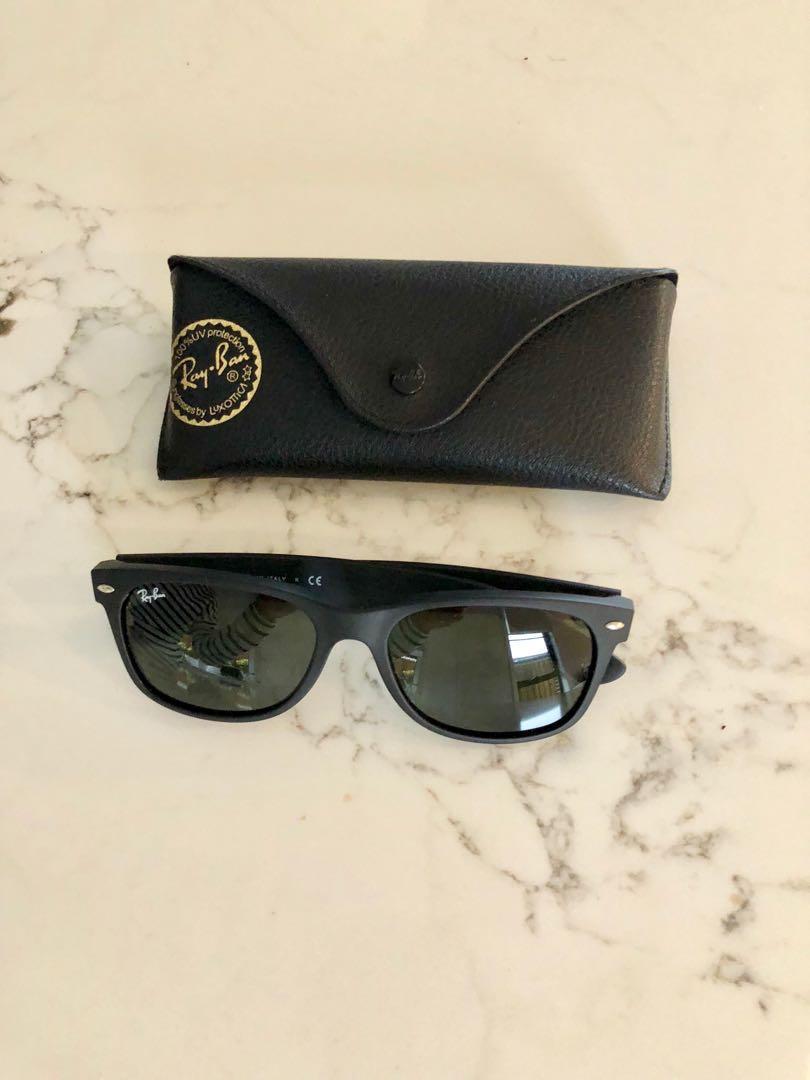 Almost new Ray Ban Wayfarer RB2132 622 55-18 Unisex Black Frame Green Lens Sunglasses