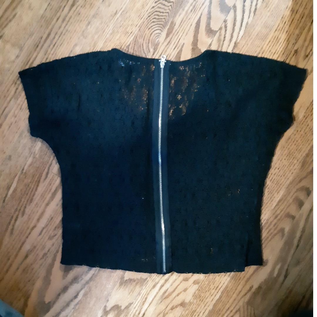 Black lace crop top #SwapCA