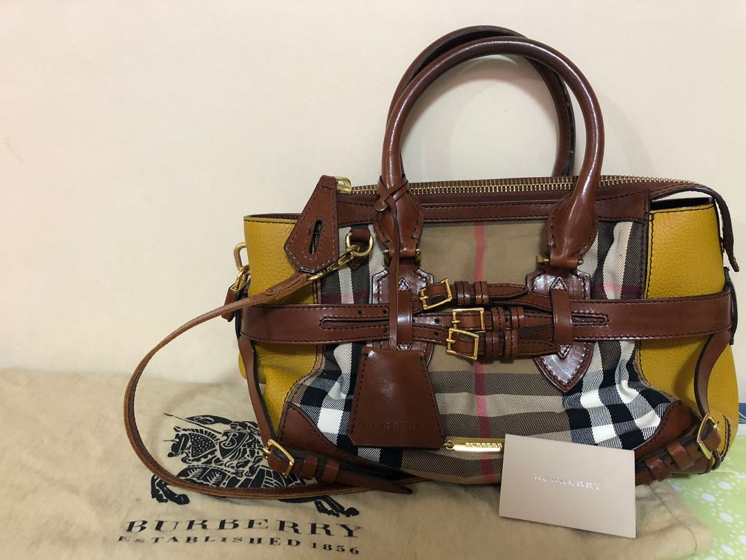 892a1965476 Burberry Bridle Housecheck Gladstone, Luxury, Bags & Wallets ...