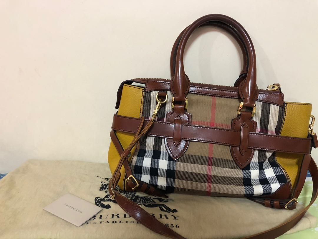 0a2b02003bb Burberry Bridle Housecheck Gladstone, Luxury, Bags & Wallets, Handbags on  Carousell