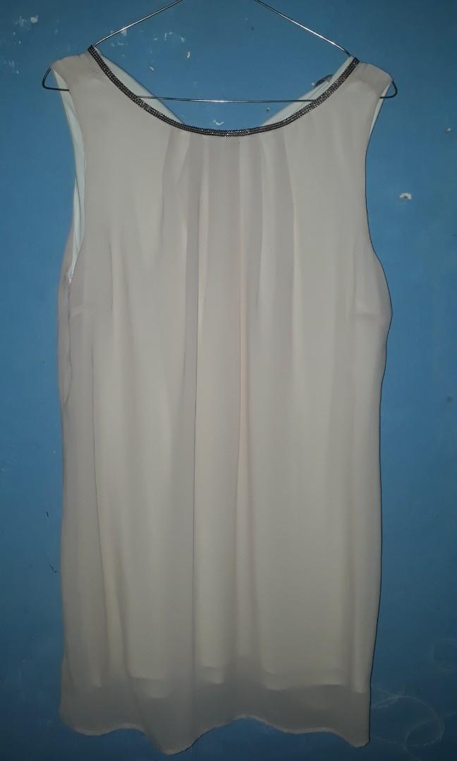 Minimal -cute dress preloved