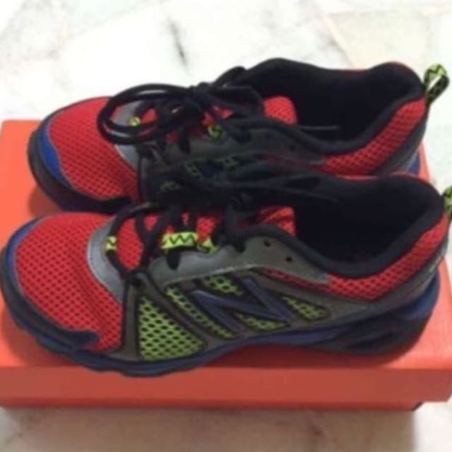 check out eae39 a2844 New Balance Boys 696 Running Shoes
