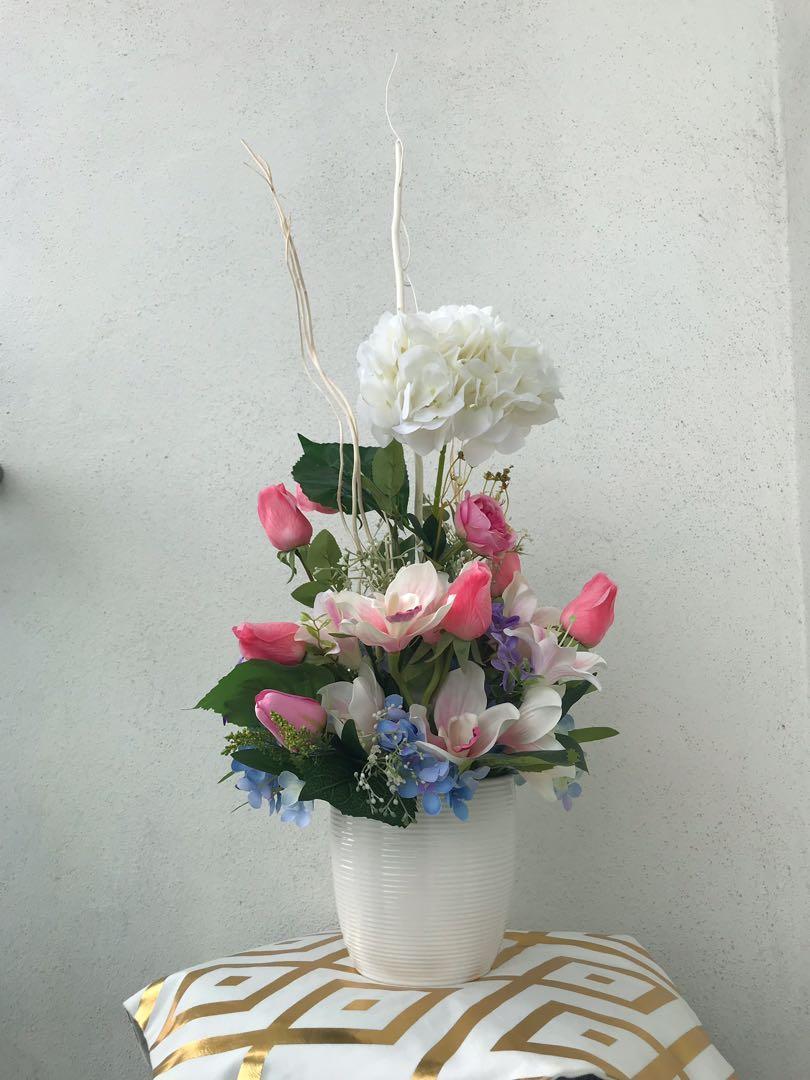 Pots and Petals Floral Arrangements