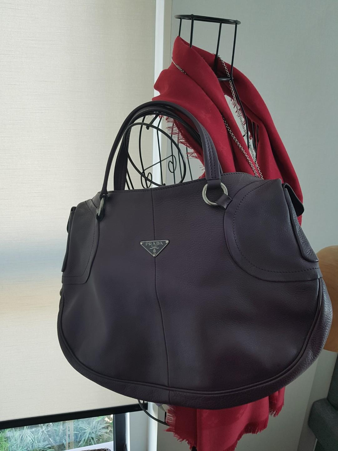 Reduced! Prada full leather purple shoulder bag